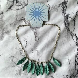 NWT ModCloth Frond Finery Necklace